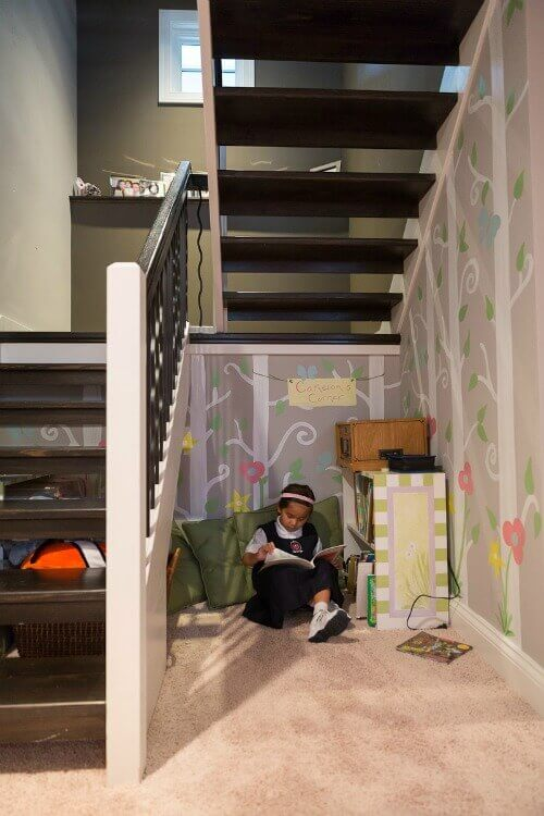 active-house-usa-under-stairs-play-area