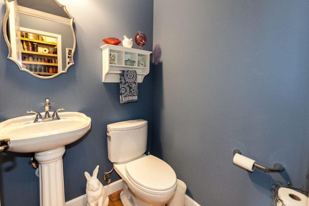 Guest-Bedroom-Friz-St-Louis-Custom-Home-Builder
